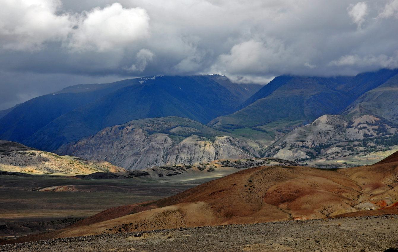 фото горы вдоль реки чаган узун красивые фото получаются